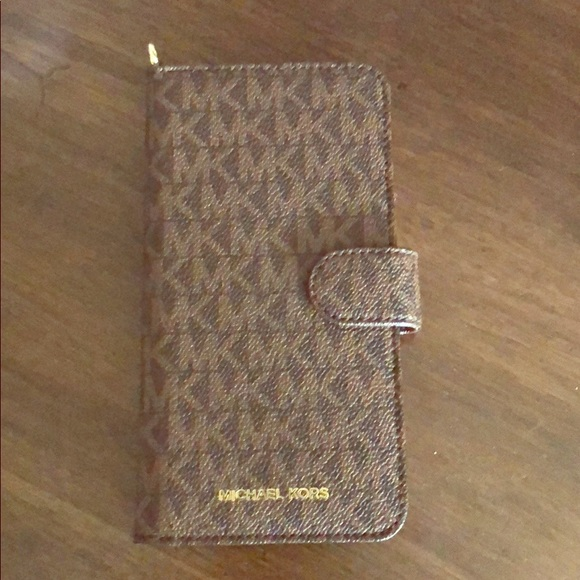 low priced 32334 742f0 Michael kors iPhone 7 or 8 plus phone case